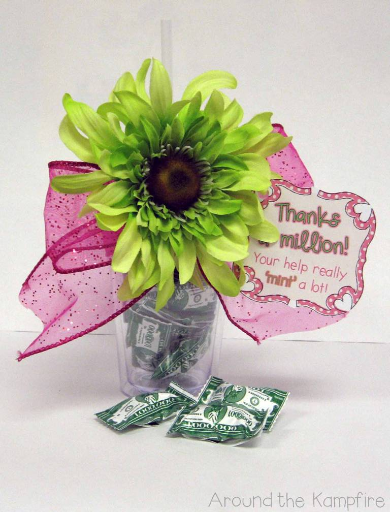 Gift Tag Freebies For Parent Helpers And Teacher Friends Around