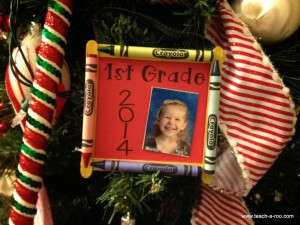 Easy parent Christmas gift ideas-Crayon frame ornaments from TeachARoo